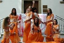 V Uherském Ostrohu se spolu utkaly desítky břišních tanečníc.