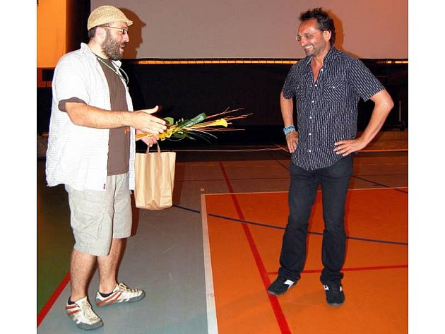 Čerstvě padesátiletý režisér Otakáro Schmidt uvedl v Hradišti svůj film Eliška má ráda divočinu.