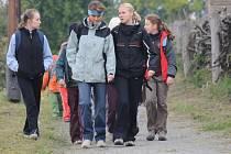 36. ročníku pochodu Chřibská třiatřicítka se zůčastnilo 177 turistů, z toho 50 dětí. Start a cíl všech tras byl u Archeoskanzenu Modrá.