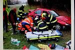 Řidič havaroval u Jarošova a skončil s vážným zraněním v nemocnici