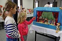 Vystavené hračky připomínaly dospělým jejich dětství, dětem něco zvláštního, sčím by si možná ani neuměly hrát.