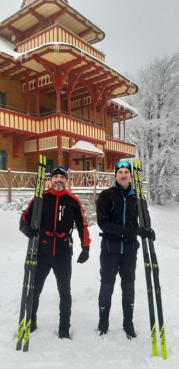 Lhoťané Petr Ratajský a Richard Dominik absolvovali 54. ročník ČEZ Jizerské padesátky.