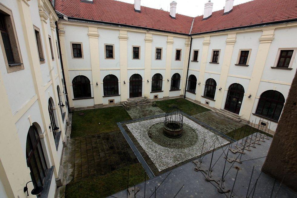Františkánský klášter v Uherském Hradišti, sídlo Státního okresního archívu.