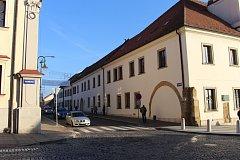 V Moravské ulici v Brodě se už může parkovat.