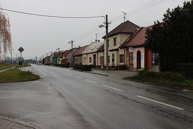 Obyvatele Nivnické ulice sužuje hustá doprava.