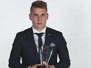 Záložník Michal Sadílek obhájil pozici největšího talentu mezi českými fotbalisty a při  Galavečeru Grassroots FAČR po roce znovu ovládl anketu o nejlepšího staršího dorostence.