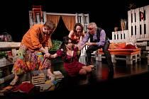 Divadlo Kalich uvádí hru Úhlavní přátelé.