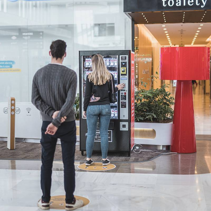 Obchodní centra na Chodově, Černém Mostě a Metropole Zličín prošla před svým znovuotevřením 11. května 2020 důkladnou dezinfekcí.