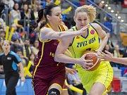 Zleva Natalia Žedikovová z Orenburgu a Alena Hanušová z USK.