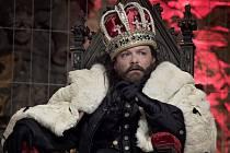 Titulní roli krále ztvárnil v divadelní hře Richard III. herec Guy Roberts.