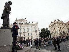 Socha Tomáše Garrigua Masaryka na Hradčanském náměstí. Ilustrační foto.