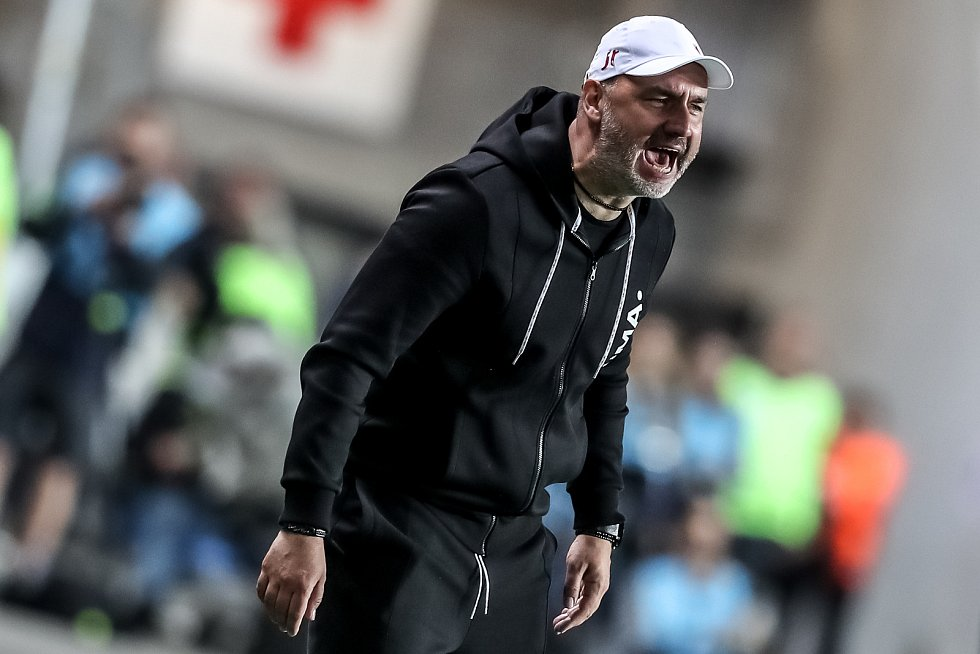 Zápas semifinále poháru MOL Cup mezi Slavia Praha a Sparta Praha hraný 24. dubna v Praze. Trpišovský