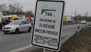 Uzavření Českobrodské ulice v Běchovicích