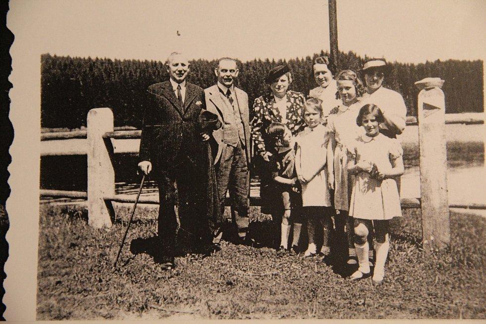 Sachselovi s přáteli v roce 1937.