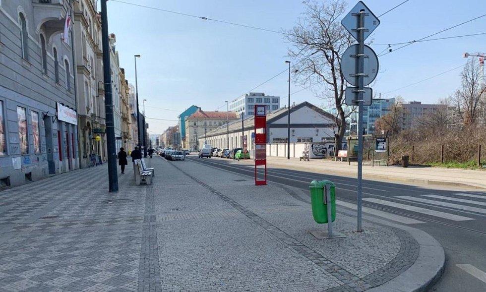 Zastávka Urxova.