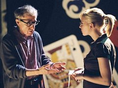 NEJSLAVNĚJŠÍ NEUROTIK. Do hlavních mužských rolí režisér Woody Allen obvykle obsazuje sám sebe.