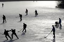 Ideálním zimním sportem je bruslení. Hlavní město skýtá mnoho míst, kam na brusle vyrazit.