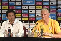 Sportovní ředitel Tomáš Rosický (vlevo) a trenér Václav Jílek