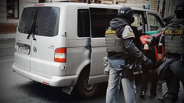 Zadržení lupičů, kteří přepadávali benzinky.