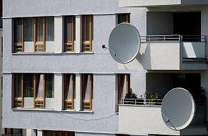Pro příjem zemského digitálního vysílání (DVB-T) je třeba pořídit si set-top-box či televizi s vestavěným digitálním tunerem a upravit anténu pro příjem digitálního vysílání./Ilustrační foto