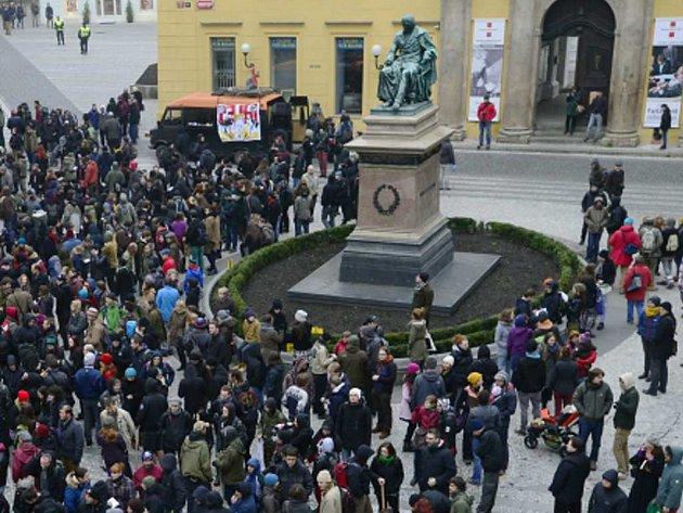 Demonstrace na Jungmanově náměstí. Ilustrační foto.