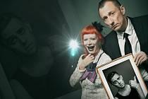 Divadlo Ungelt ve čtvrtek večer nabízí komedii Trhni si, otče!