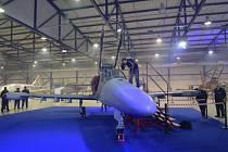 Nový letoun L-159 představila společnost Aero Vodochody.