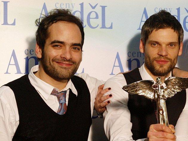 Jiří Burian a Mikoláš Růžička, pražští hudebníci tvořící jedno z nejzajímavějších jmen současného domácího popu, kapelu Republic of Two, pokřtili svoji novou desku.