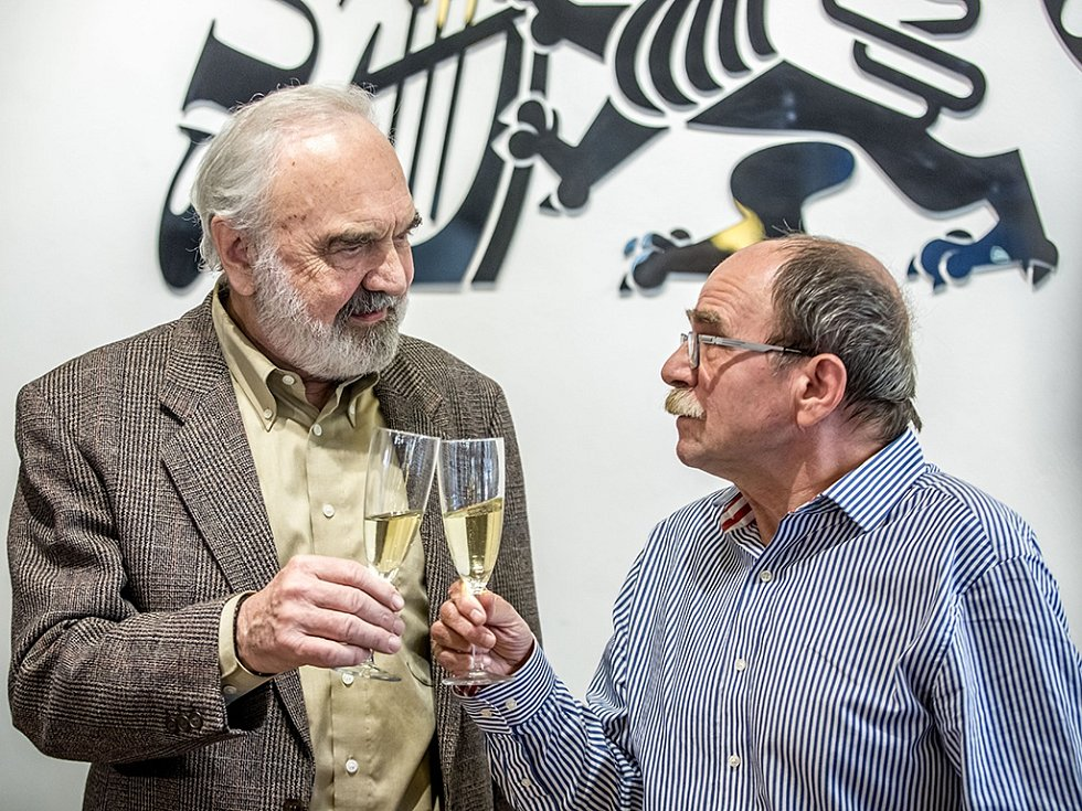Zdeněk Svěrák a Jaroslav Uhlíř představili audioknižní komplet 8CD Povídky a Nové povídky a speciální set CD+DVD Operky, které vycházejí ke Svěrákovým osmdesátinám.
