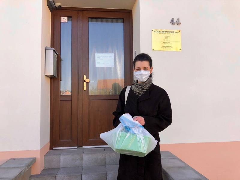 Praha 3 spouští testování na koronavirus u zaměstnanců v sociálních službách.