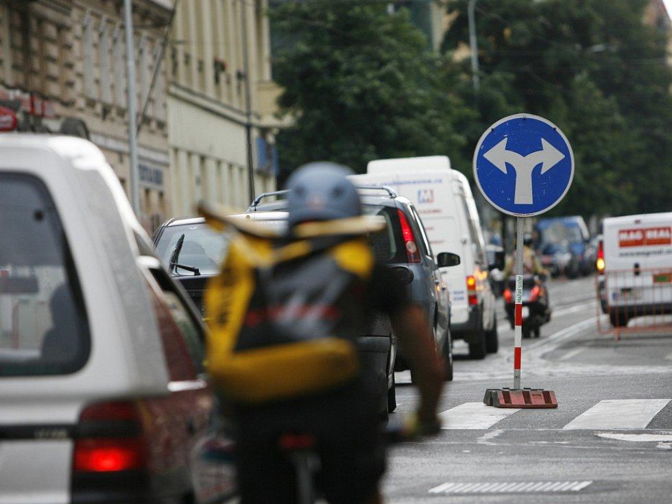 Omezení dopravy. Ilustrační foto.