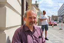 Pan Vondruška si třed třemi lety dodělal výuční list z oboru včelař.