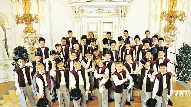 Chlapecký sbor Boni Pueri v plné parádě.