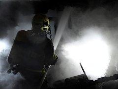 Požár chaty v zahrádkářské kolonii