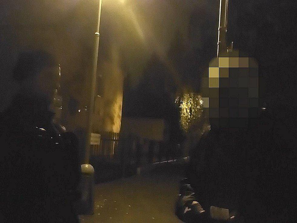 Pokus podnapilého řidiče uplatit hlídku městské policie.