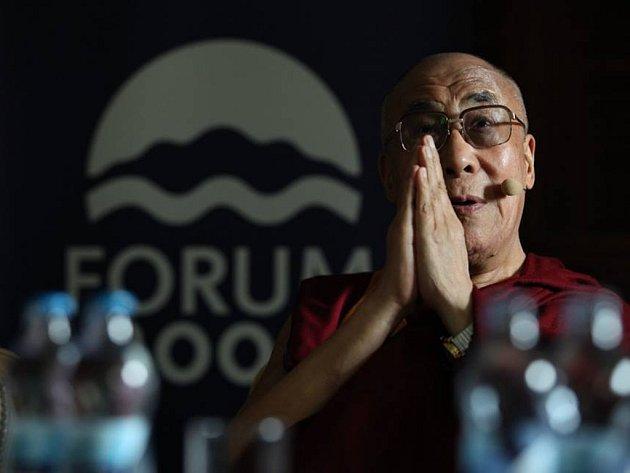 Dalajláma na konferenci Forum 2000