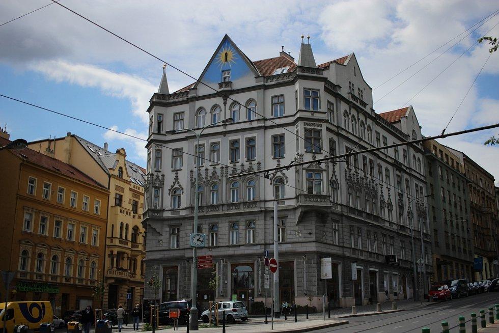 Hotel v pražských Vršovicích v době koronavirové slouží bezdomovcům.