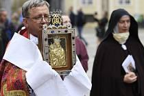 Prahou prošel 27. září 2020 tradiční průvod s palladiem země české, obrazem Staroboleslavské madony, který je po staletí jedním ze symbolů české státnosti.