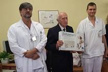 Monitory nemocnici věnovala Nadace Křižovatka. Monitory Babysence II. v celkové hodnotě 50.000 Kč si rozdělí mezi sebe neonatologické a pediatrické oddělení.