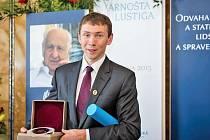 Petr Sýkora, spoluzakladatel nadace Dobrý anděl, se může pyšnit cenou Arnošta Lustiga za rok 2014.