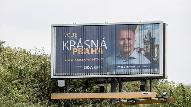 Volební billboard pro komunální volby 18. července v Praze. ODA, Pavel Sehnal