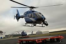 Nový vrtulník Bell 412EPI pořízený za 300 milionů korun v rámci projektu Letecká technika pro záchranné práce v integrovaném záchranném systému ve čtvrtek 10. prosince 2015 slavnostně na své základně v Ruzyni převzala Letecká služba Policie ČR.