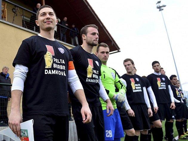 Fotbalisté Zličína protestně nenastoupili v prvním jarním utkání Pražská teplárenská přeboru Prahy proti Sokolu Královice.