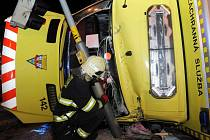 Dopravní nehoda na křižovatce ulic Vysočanská a Prosecká v Praze.