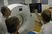 Počítačový tomograf v Nemocnici Na Bulovce v Praze.