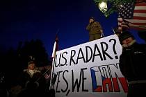 Na pražském Hradčanském náměstí proběhla 18. února demonstrace podporující výstavbu amerického radaru na území ČR.