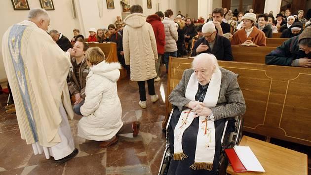 V kostele sv. Karla Boromejského na Malé Straně se konala 11. února slavnostní mše u příležitosti světového dne nemocných. Mši celebroval Mons. Karel Herbst.