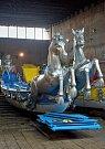 Cavalli s koňmi na přídi znázorňuje rychlost benátských lodí. Bude to druhá loď, která připluje do Prahy a okusí sladkou vltavskou vodu.