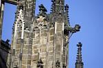 Z období středověku zůstaly zachovány jen 4 kompletní chrliče. Tři jsou umístěny v depozitáři hradu, tento poslední stále plní svou funkci.