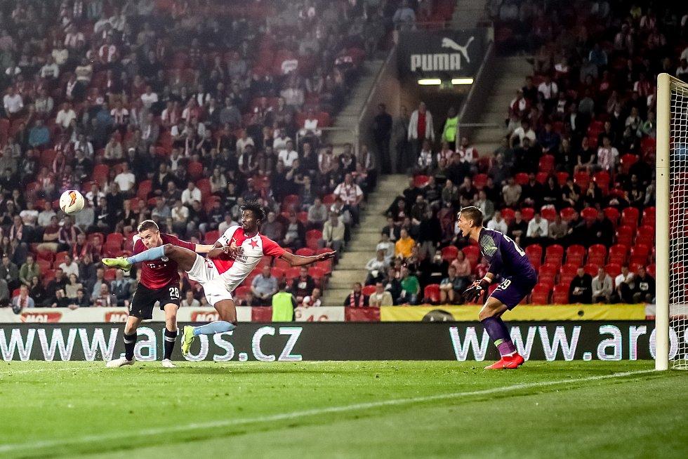 Zápas semifinále poháru MOL Cup mezi Slavia Praha a Sparta Praha hraný 24. dubna v Praze.